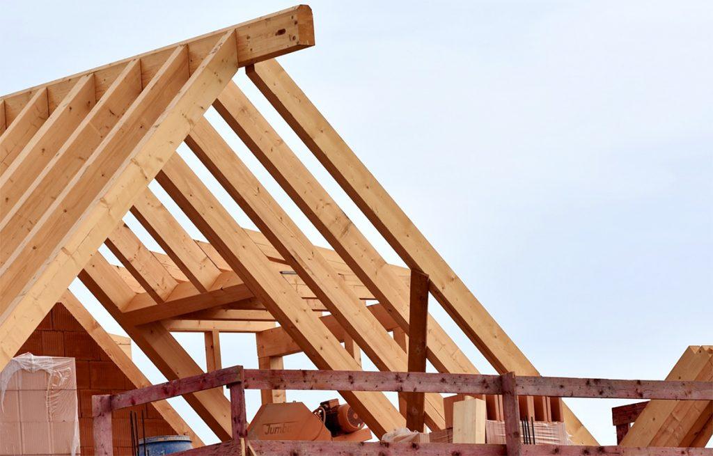 Immagine-capriata-tetto-di-legno