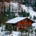 Settimana bianca in baita o chalet? I migliori consigli per riscaldare una casa in legno